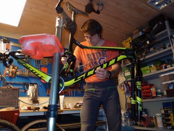 Sjekk sykkelen før den settes i boden for vinteren